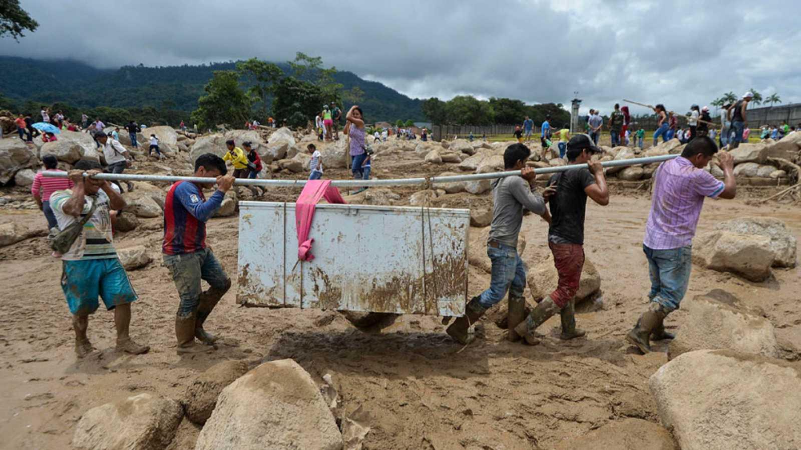 En Colombia, el balance de víctimas por la avalancha asciende ya a 254 muertos