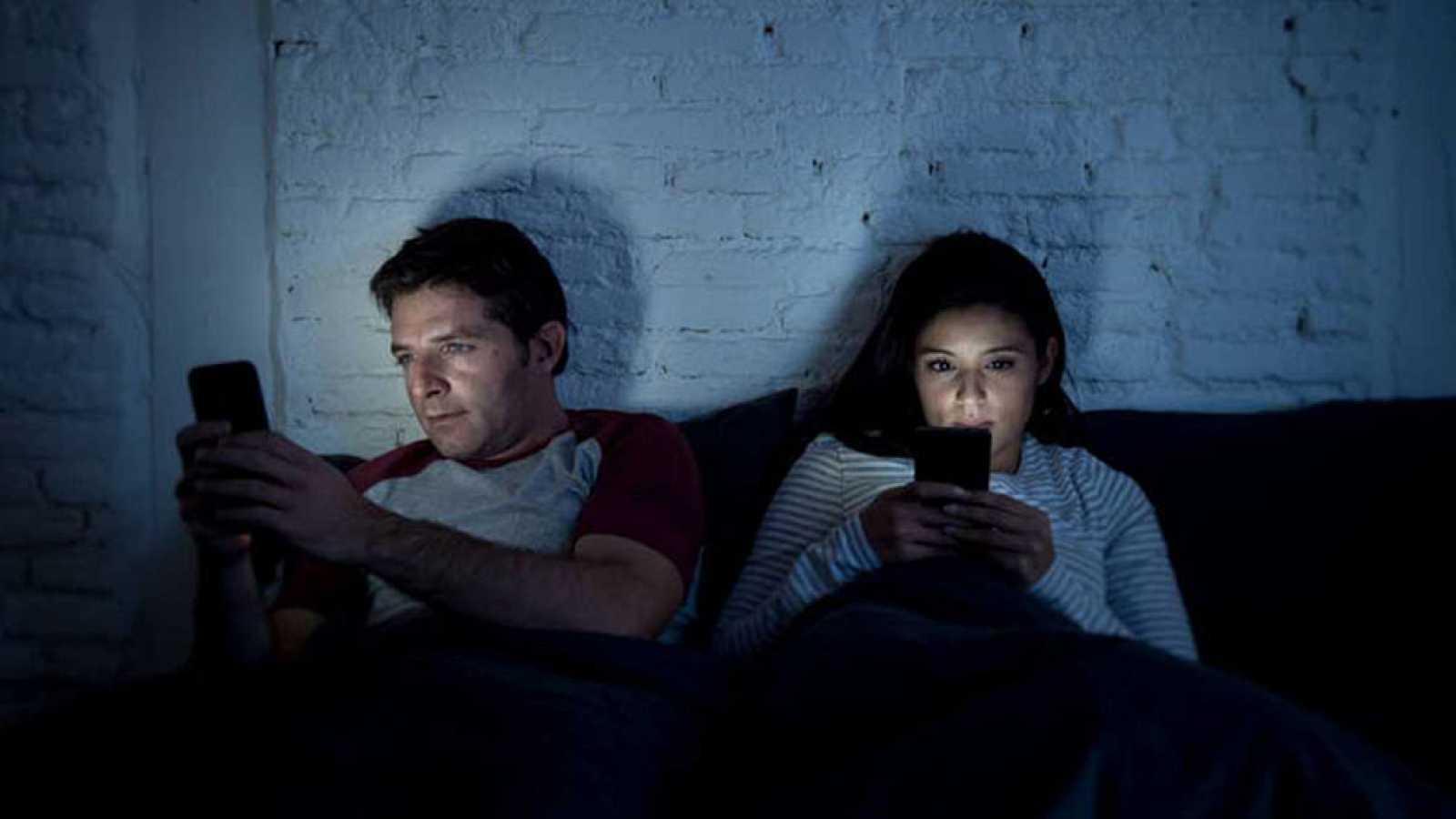 Una de cada veinte personas en España es adicta al móvil
