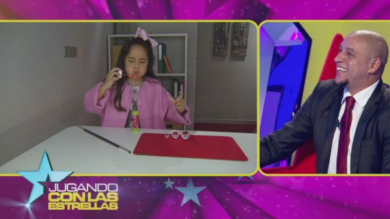 Jugando con las estrellas - La hija de Roberto Carlos intenta hacer el truco de magia de las pompas de jabón