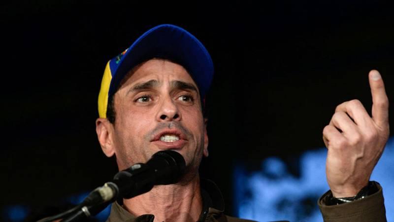 Capriles reta a Maduro
