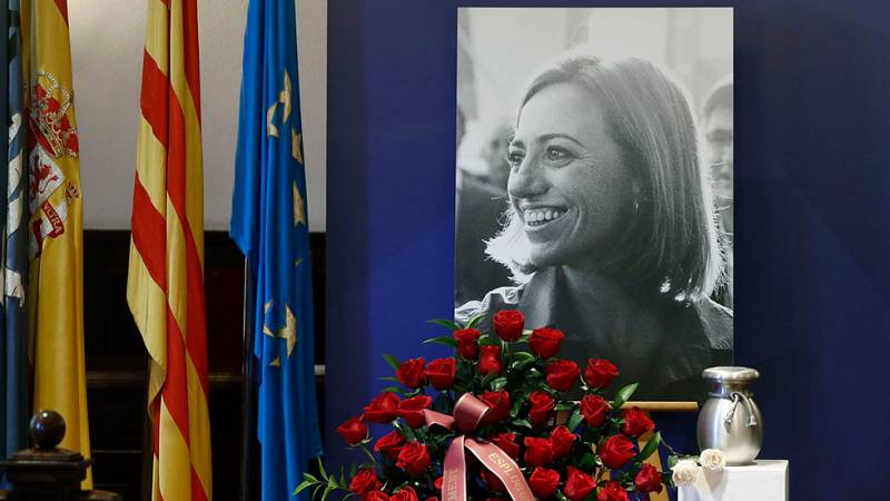 Último adiós a Carme Chacón en Esplugues de Llobregat