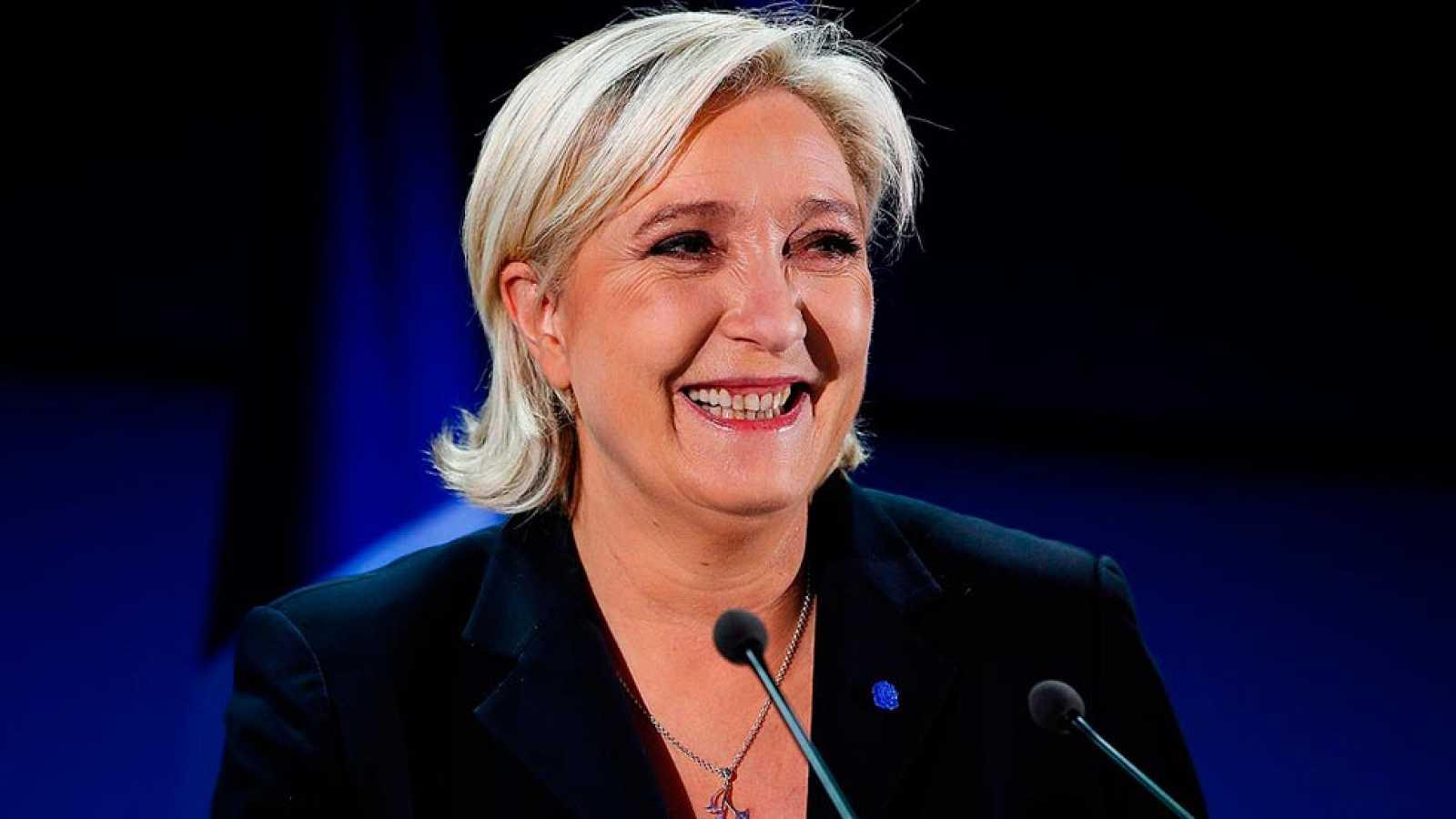 """Marine Le Pen, """"en nombre del pueblo"""""""