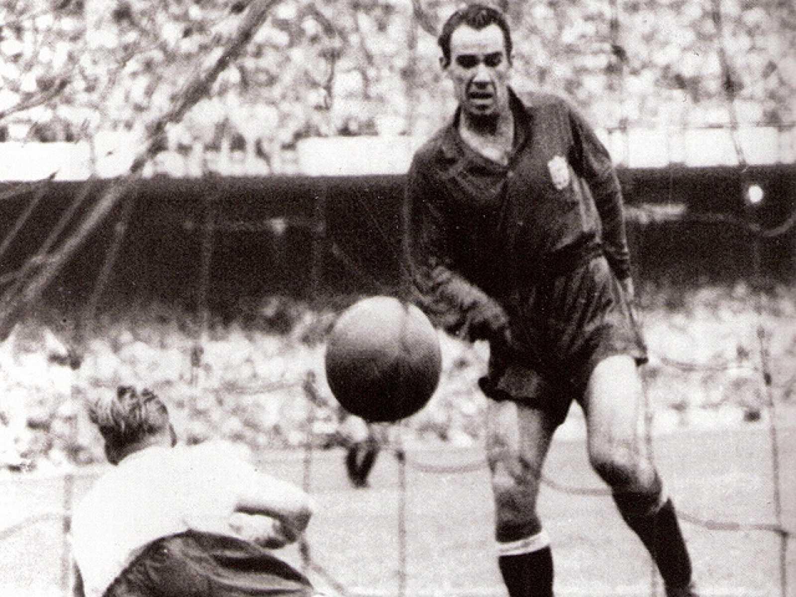 En aquellas míticas retransmisiones la voz de la selección era la de Matías Prats, quien locutó en directo el gol de Zarra que le daba la victoria a España ante Inglaterra.