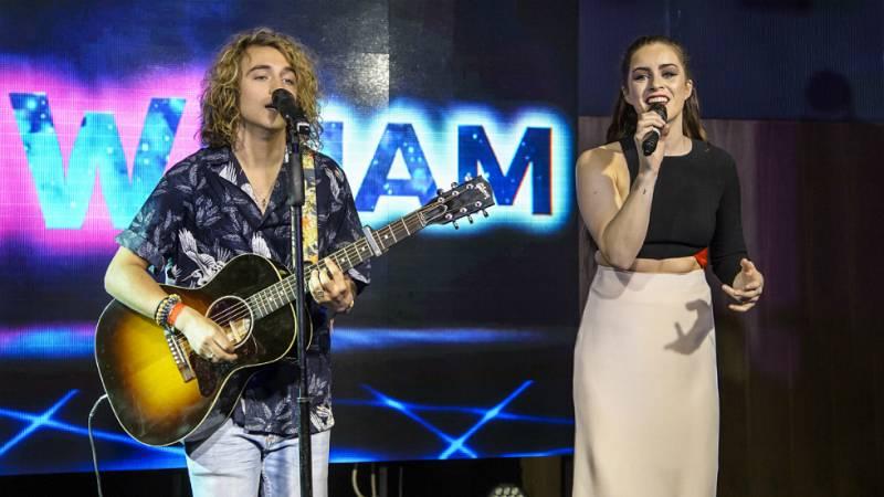 Eurovisión 2017 - Manel Navarro junto a Lucie Jones en el Euroclub