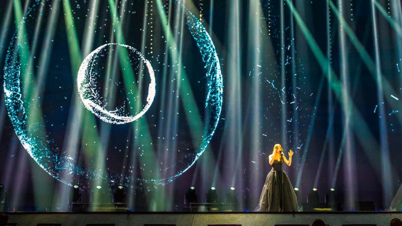 """Eurovisión 2017 - Bélgica: Blanche canta """"City lights"""""""