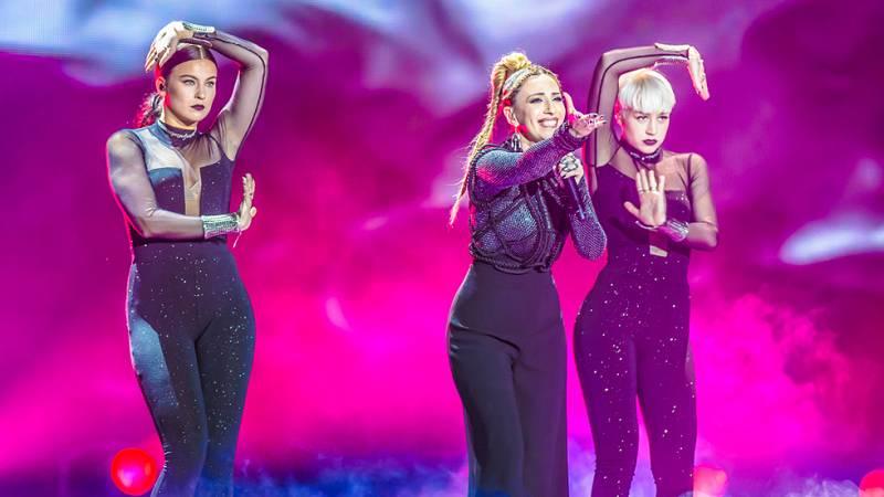 Eurovisión 2017 - Armenia: Artsvik canta 'Fly With Me'
