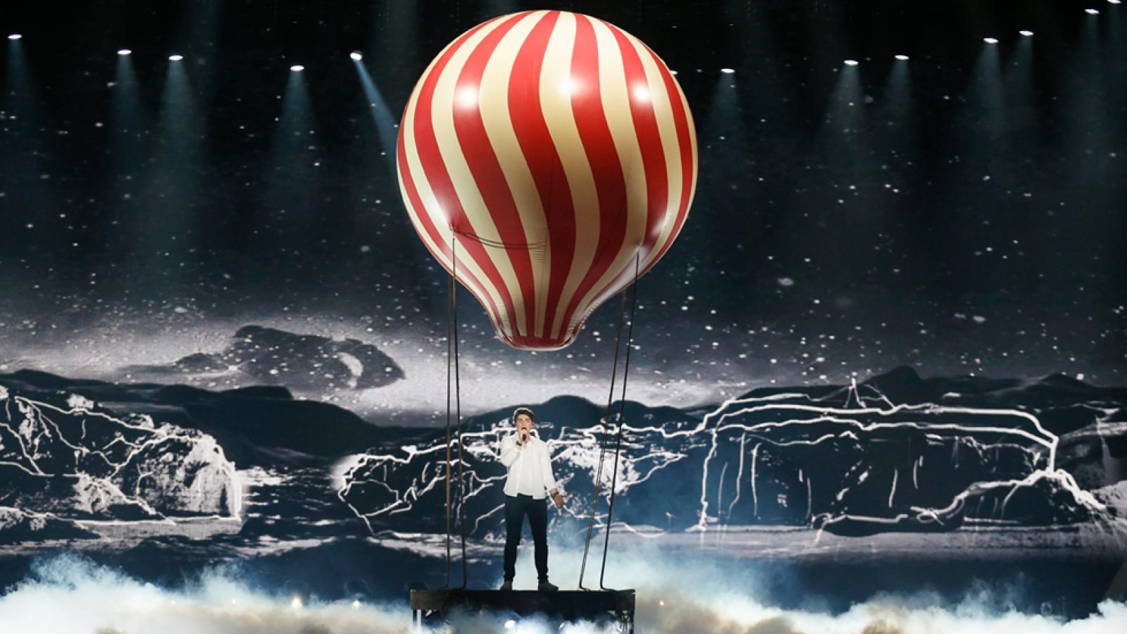 Eurovisión 2017 - Irlanda: Brendan Murray canta 'Dying to Try'