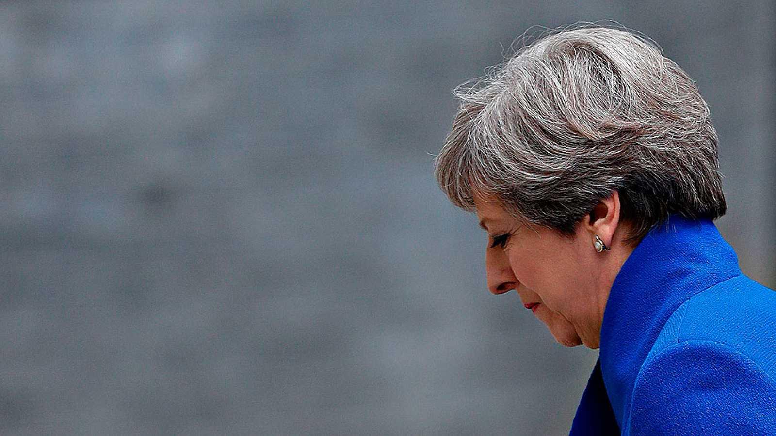 Theresa May pierde la mayoría absoluta pero intentará gobernar con los unionistas norirlandeses