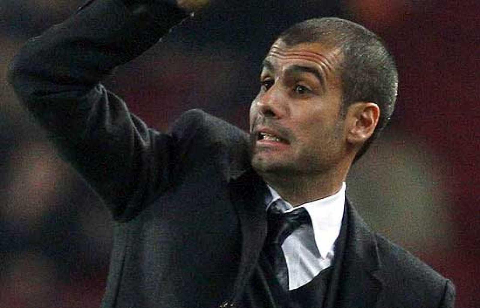 """El entrenador del Barcelona, Pep Guardiola, ha declarado que """"nadie juega como la selección española y yo debo aprender de ellos""""."""
