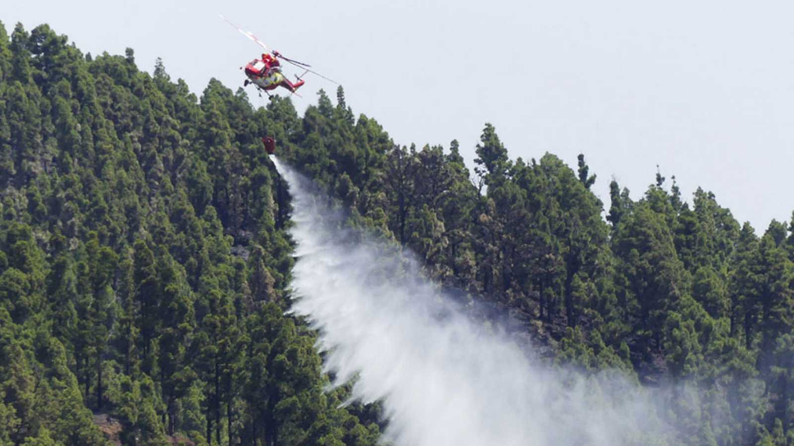"""El operativo contra incendios contará con 70 medios aéreos y por primera vez cuatro drones para """"vigilancia"""""""