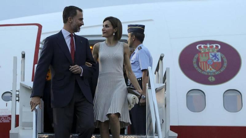 Los Reyes Felipe y Letizia inician este miércoles una visita de Estado a Reino Unido con el mensaje central de que España quiere seguir manteniendo las mejores relaciones bilaterales con el Reino Unido una vez que se produzca el 'Brexit'.Han pasado 3