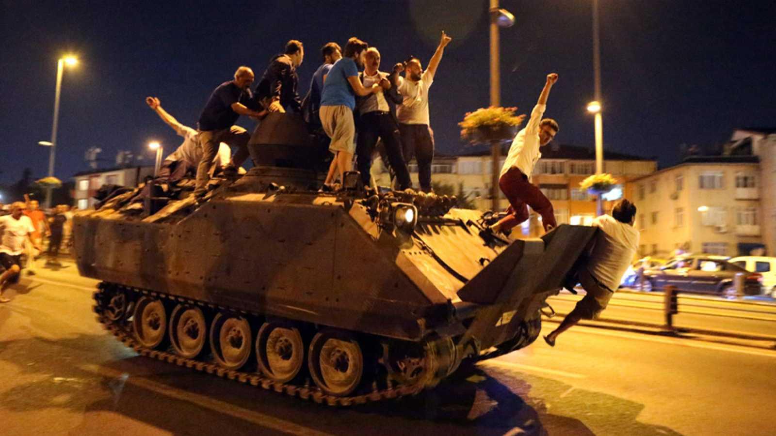 El 15 de julio de 2016 comenzaba el séptimo golpe militar de la Turquía moderna