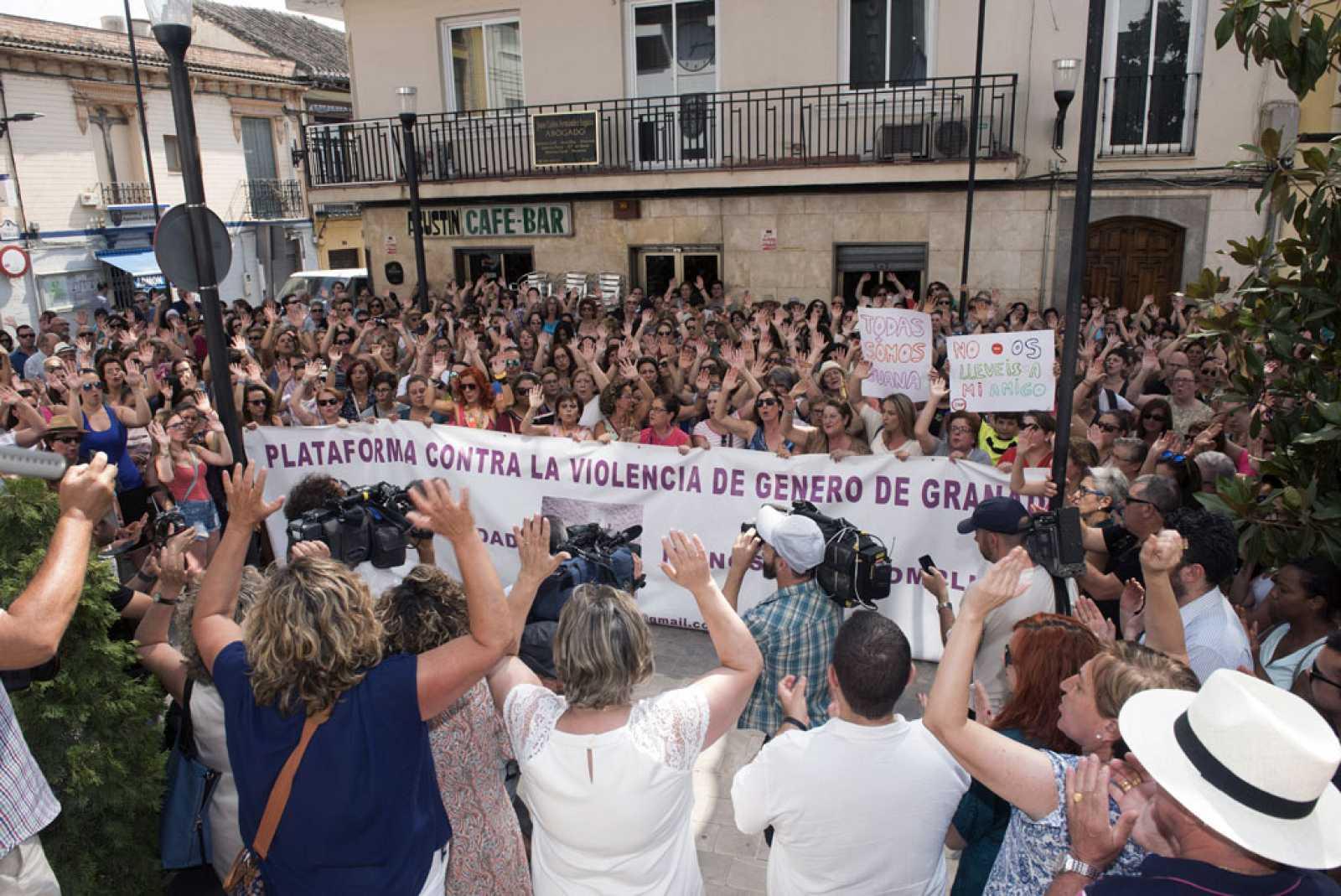 La Junta de Andalucía ofrece personarse en la causa de Rivas, la mujer maltratada que no ha entregado a sus hijos al padre