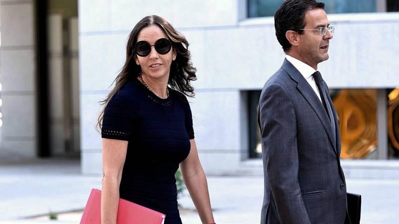El exsecretario general de la Federación Española de Fútbol (RFEF), Jorge Pérez, y la directora de Sefútbol María José Claramunt, han declarado como investigados ante el Santiago Pedraz, dentro de las diligencias de la operación 'Soule'.