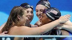 El relevo femenino estadounidense bate el récord del mundo de 4x100