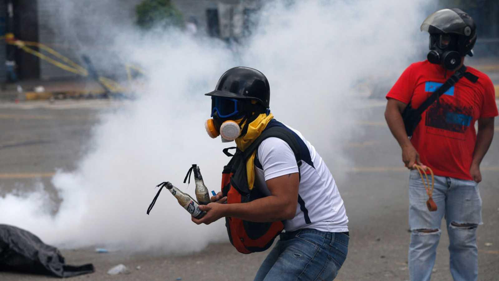Una parte del centro de Caracas se convierte en un campo de batalla