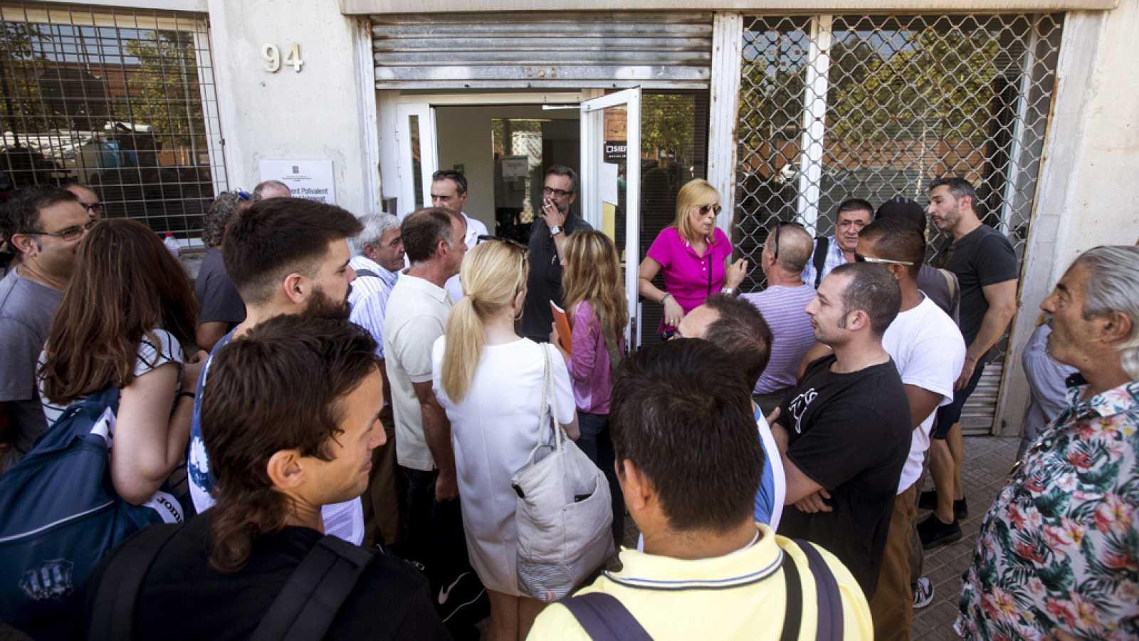 Los trabajadores de seguridad del aeropuerto de Barcelona rechazan la propuesta de la Generalitat y mantienen la huelga