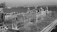 Documenta2 - La isla de Ellis: Una historia del sueño americano
