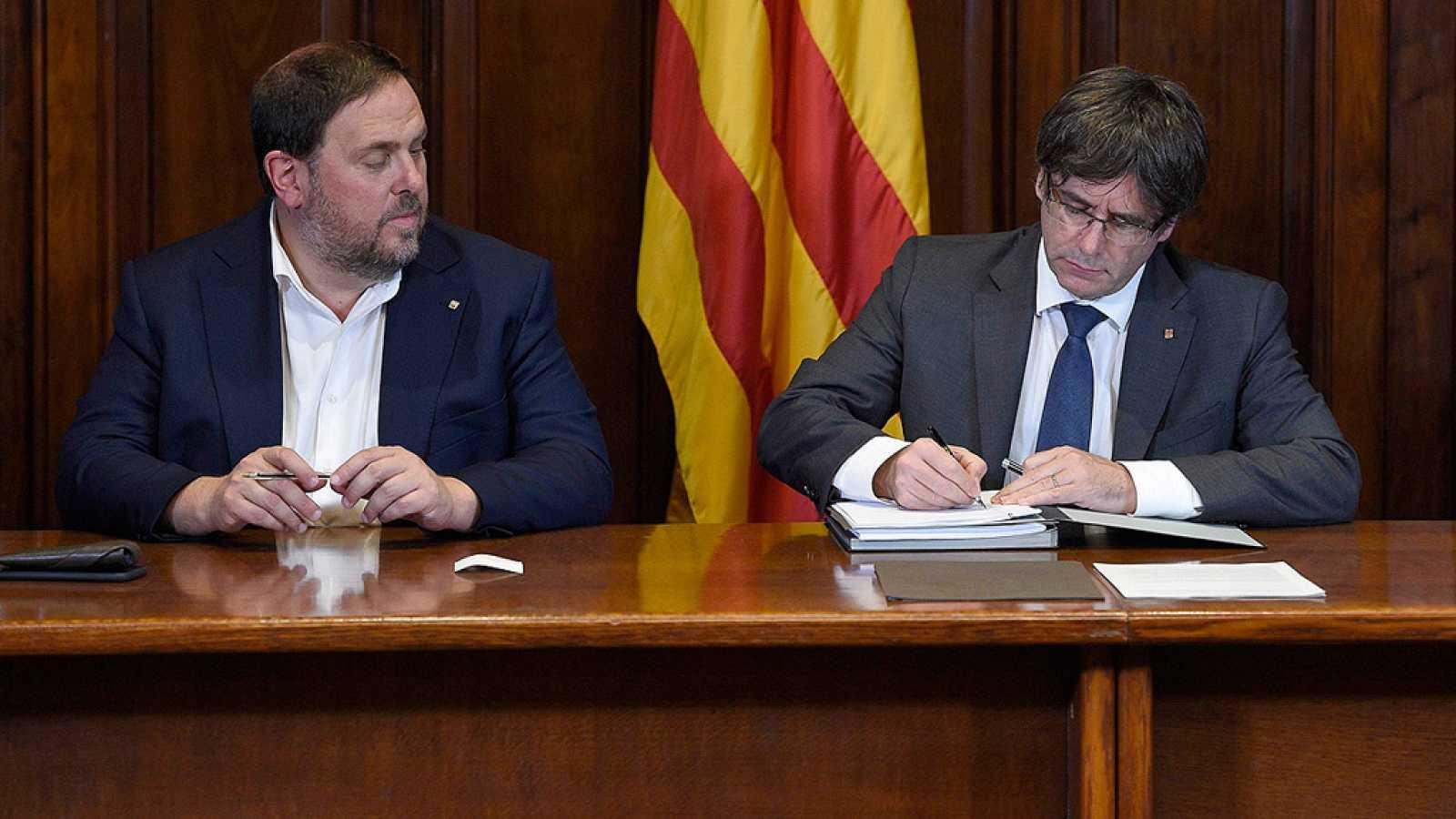 Puigdemont llama a los catalanes a votar el 1-O tras convocar el referéndum soberanista