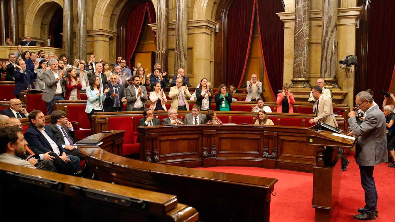 """Coscubiela arranca la ovación de Cs, PSC y PP: """"No quiero que mi hijo viva en un país donde la mayoría tape los derechos del resto"""""""