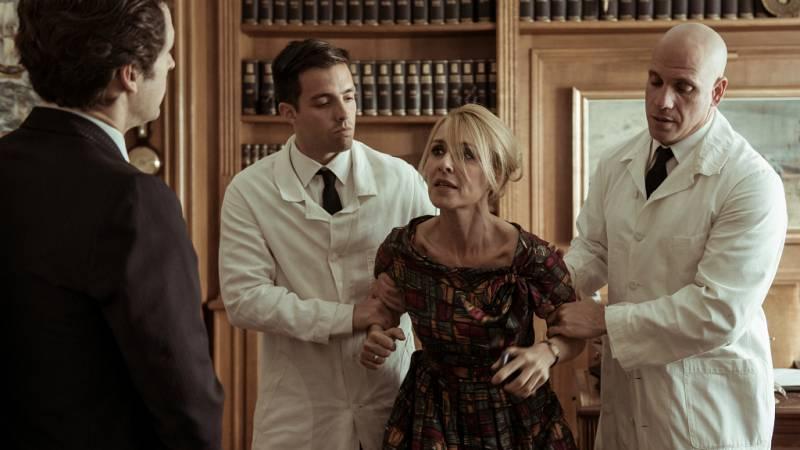 El Ministerio del Tiempo - Mario engaña a Irene para ingresarla en un sanatorio