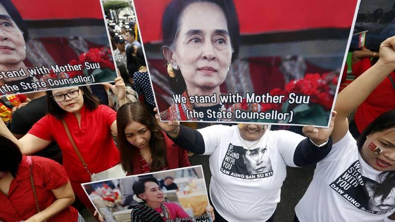 Aung San Suu Kyi condena las violaciones de derechos humanos pero dice no saber por qué huyen los rohinyas