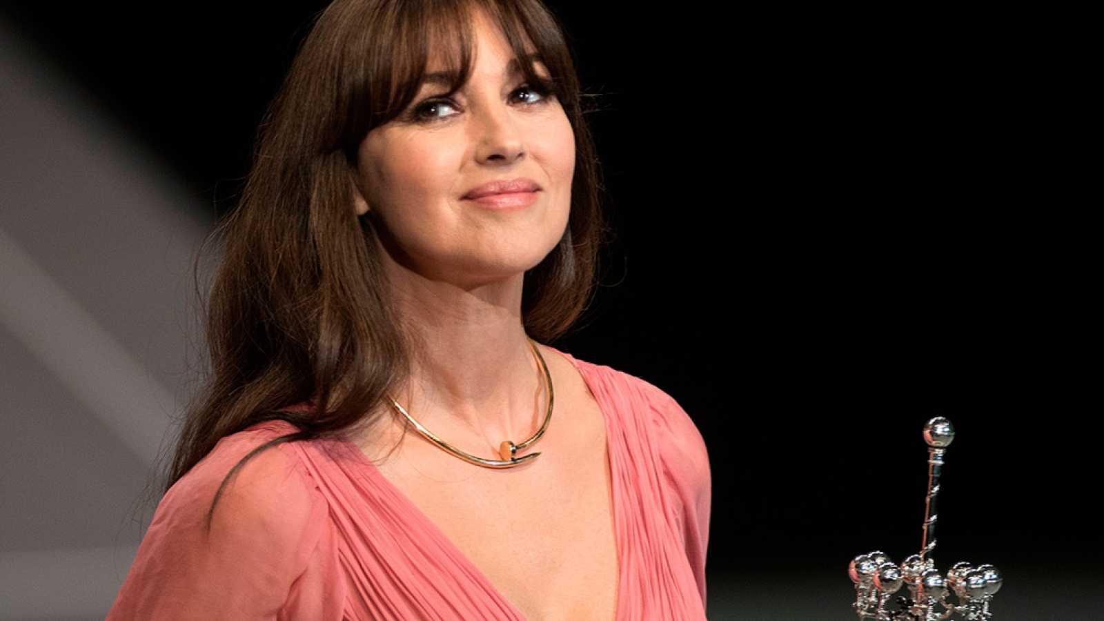 Mónica Bellucci recibe el Premio Donostia