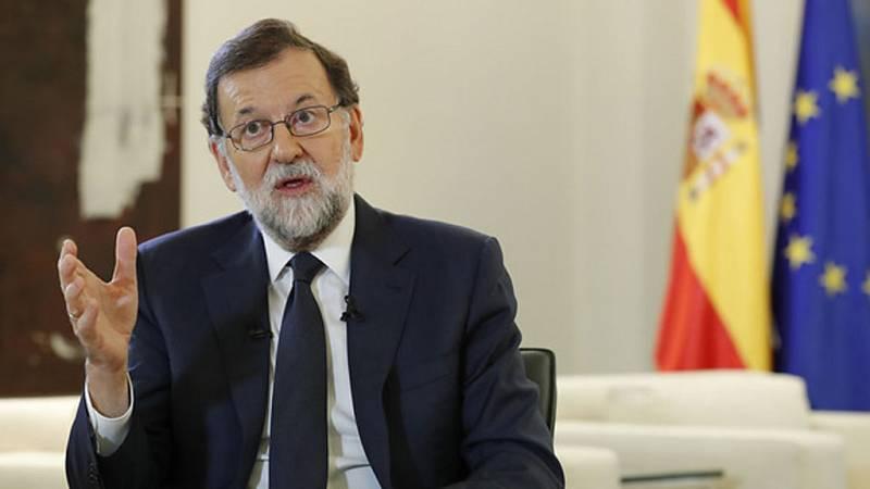 """Rajoy exige a Puigdemont renunciar a la declaración de independencia para evitar """"males mayores"""""""
