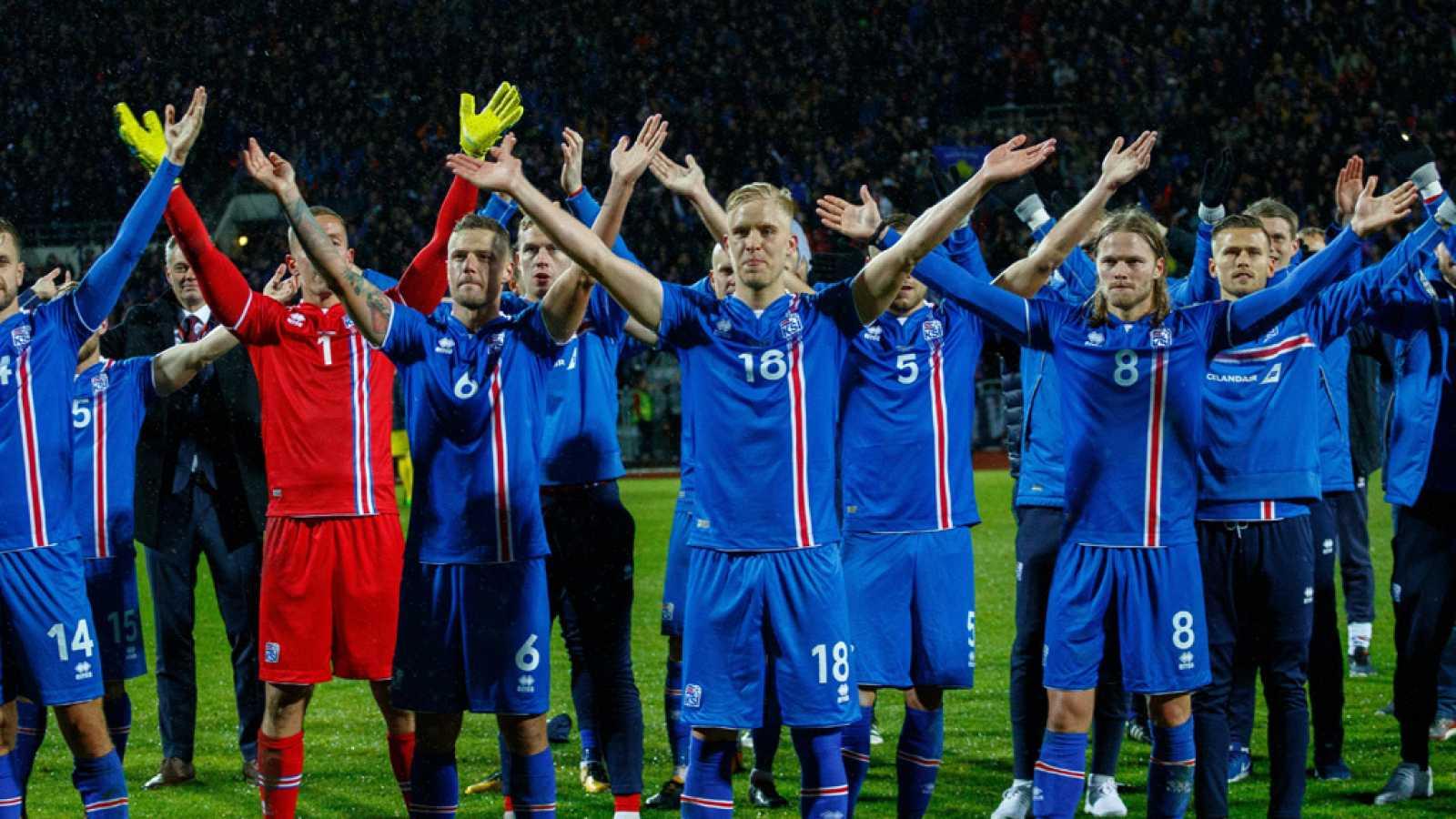 La selección islandesa sigue haciendo historia al haber conseguido la clasificación para su primer Mundial de fútbol. Por otra parte, Croacia celebró un segundo puesto de grupo que le manda a la repesca, su última opción de lograr el pase mundialista