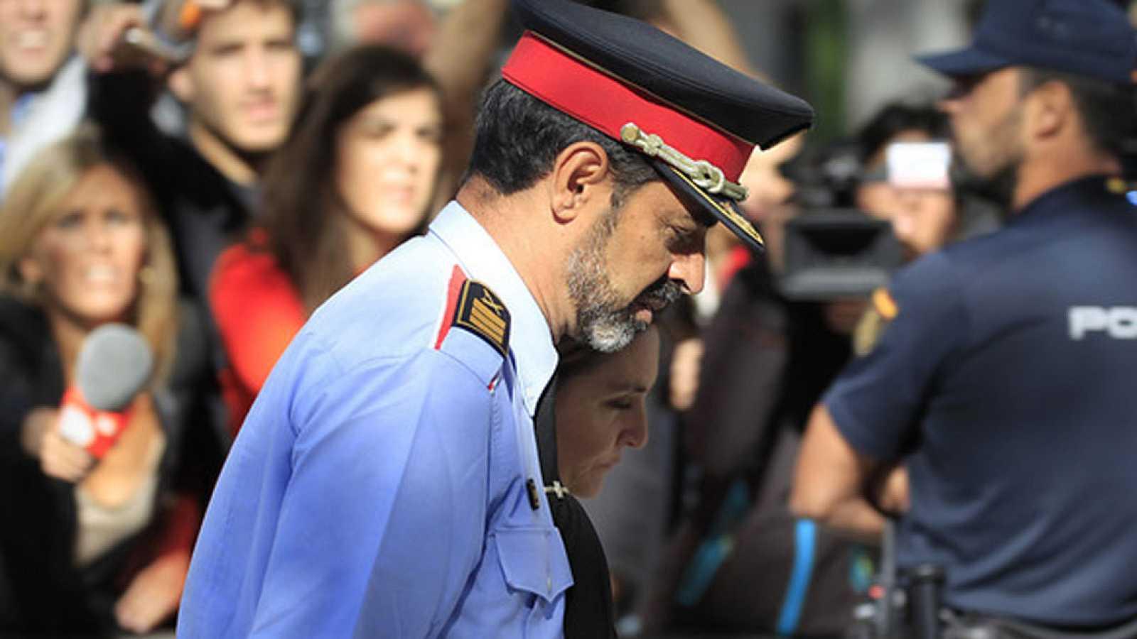Un informe de la Guardia Civil acusa a Trapero de inacción flagrante en la jornada del 1-O