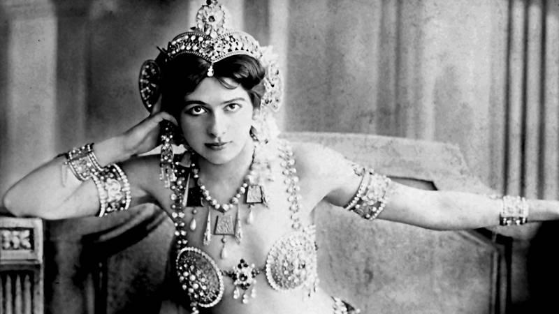 Se cumplen cien años del fusilamiento de Mata Hari por espía y traidora en Francia