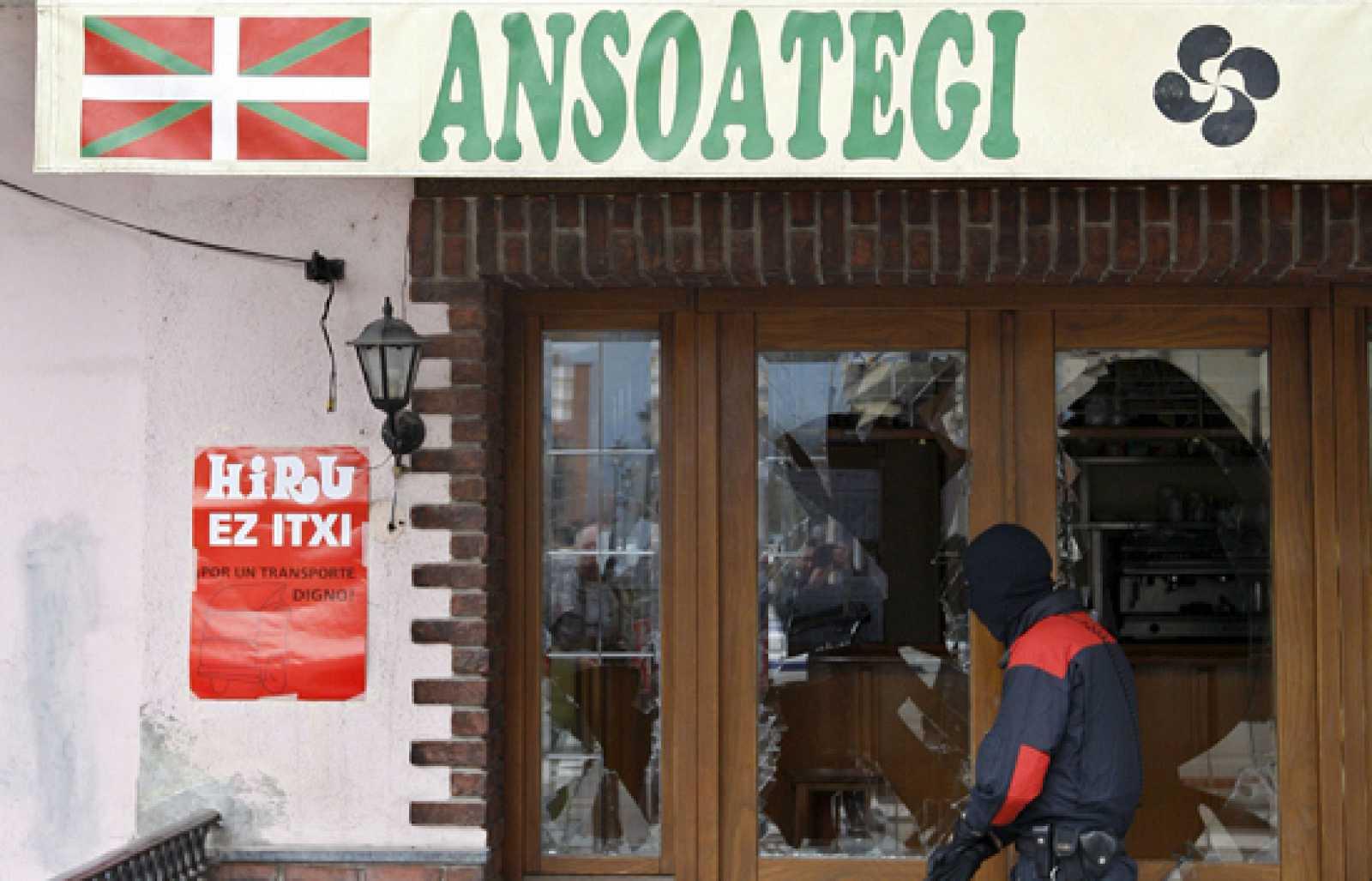 El joven de Lazkao que atacó una herriko taberna tiene que dejar el pueblo por amenazas