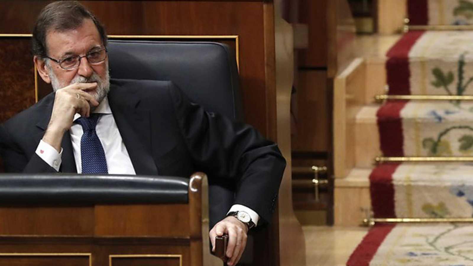 Rajoy asegura que en Cataluña no hay más salida que celebrar elecciones y restablecer la legalidad