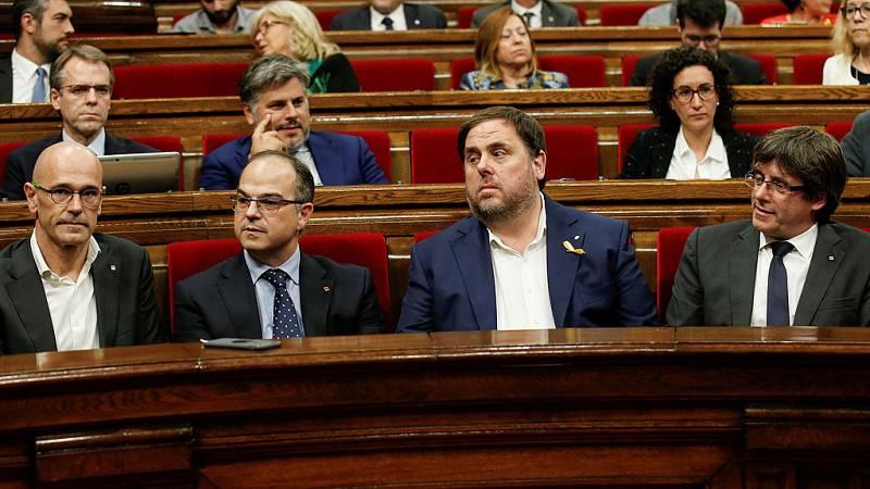 """Junts pel Sí propone """"constituir una república catalana como un Estado independiente y soberano"""""""