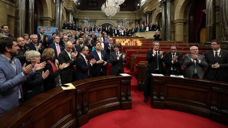 El Parlament aprueba declarar la independencia de forma unilateral