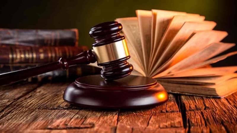¿Cree que la decisión judicial del prisión preventiva a los exmiembros del Govern es...?
