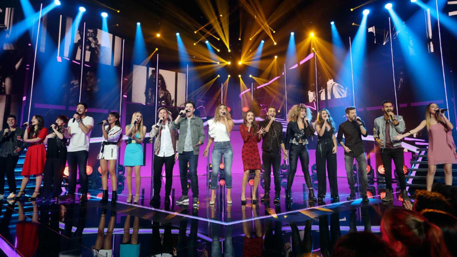 Operación Triunfo - Los 16 concursantes cantan 'Te quiero' en la gala 2