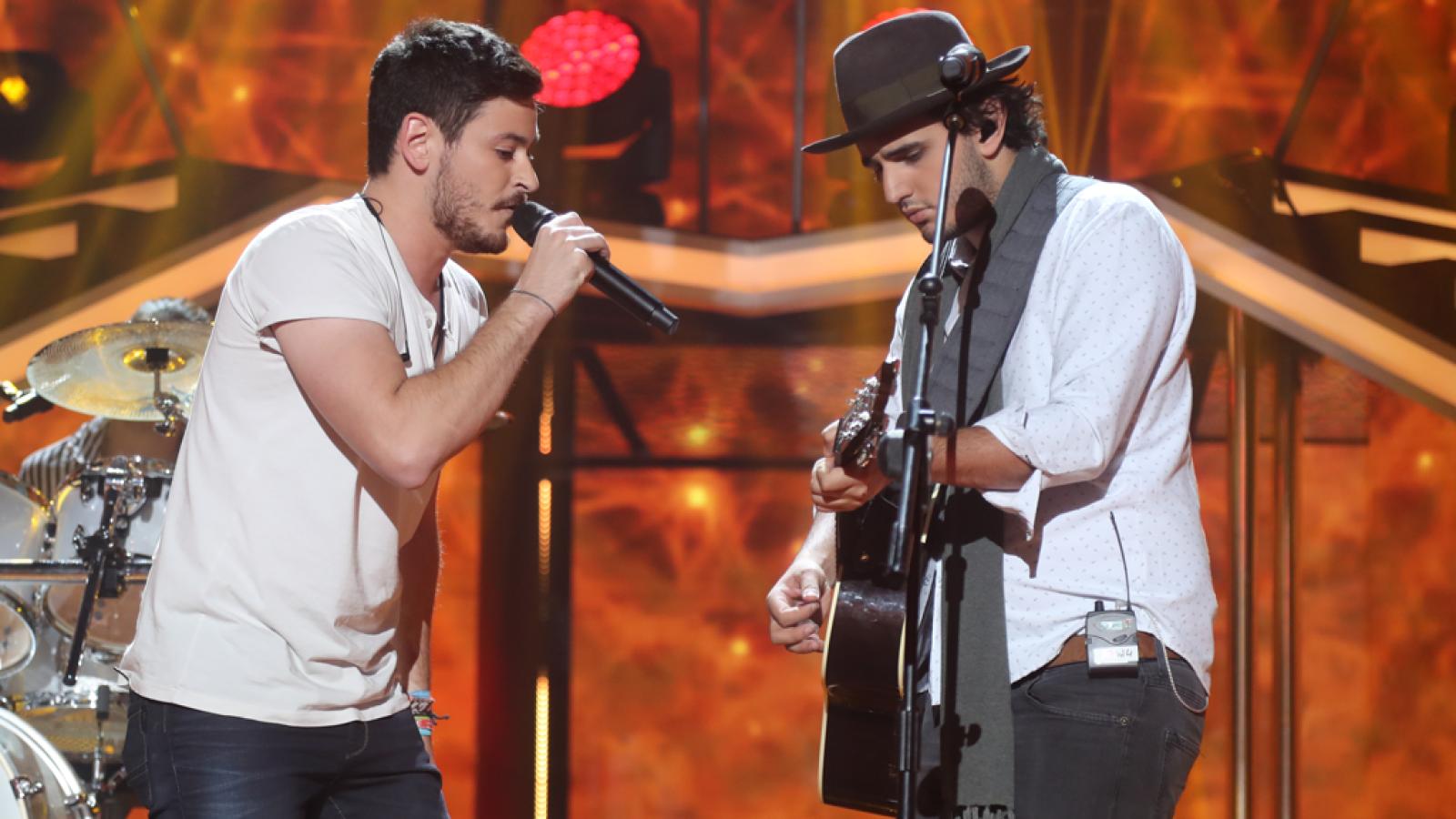 Operación Triunfo - Morat y Cepeda cantan 'Yo contigo, tú conmigo' en la gala 2