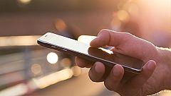 Si pudiera leer los mensajes en el móvil de su pareja¿