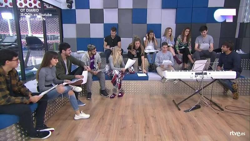 Operación Triunfo - Manu Guix presenta a los concursantes la maqueta de 'Camina'