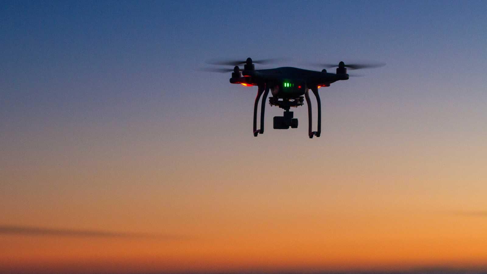 Los drones podrán sobrevolar poblaciones y aglomeraciones de personas