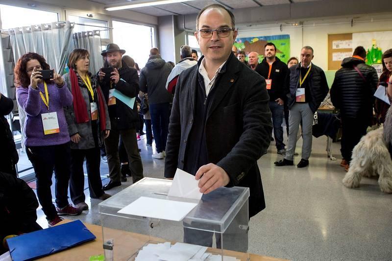 """Turull dice que está contento de votar sin la """"represión"""" del 1 de octubre"""