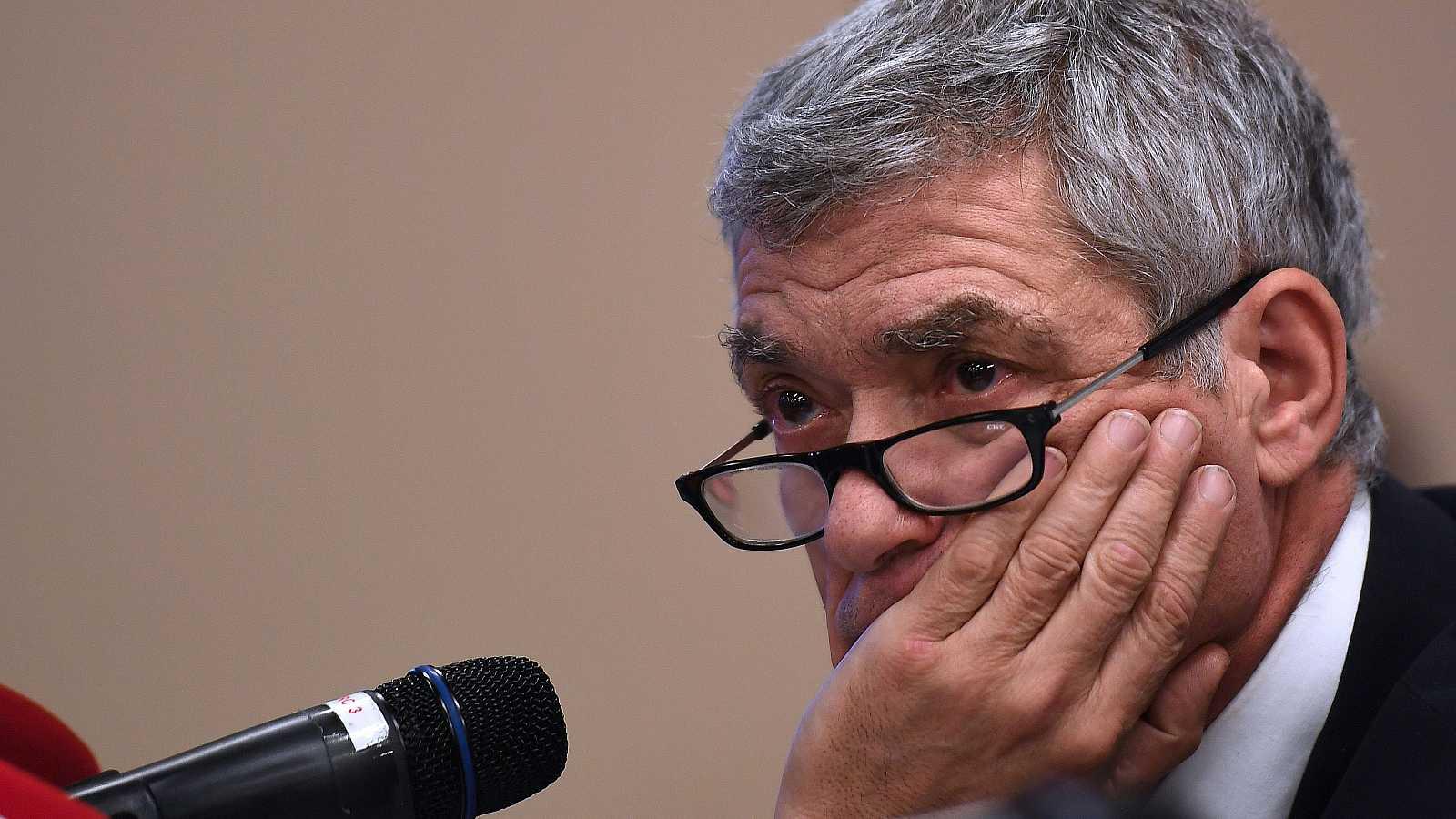 Ángel María Villar ha sido destituido como presidente de la Federación Española de Fútbol por decisión del TAD, que considera que vulneró la neutralidad del proceso electoral de la RFEF.