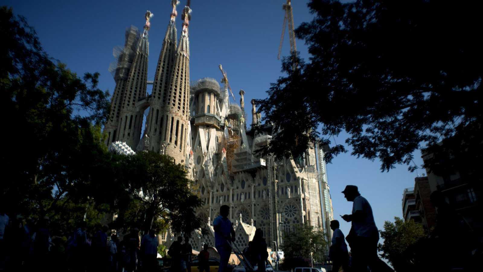España bate récord con 77,8 millones de turistas internacionales hasta noviembre, más que en todo 2016