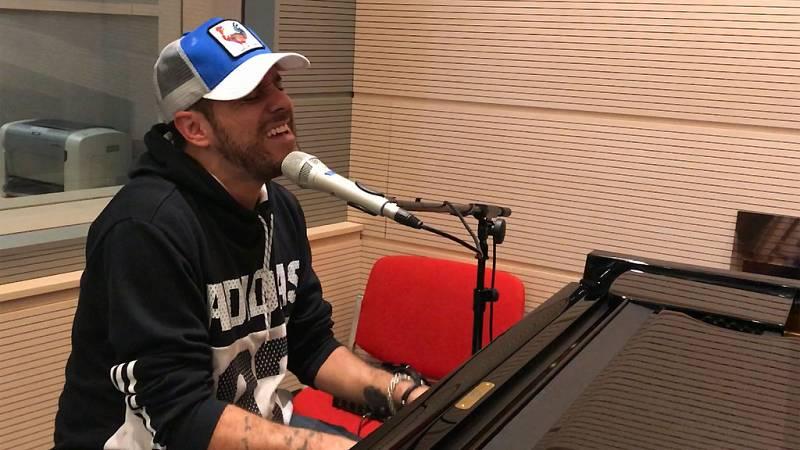 """Las mañanas de RNE - Pablo López interpreta """"El Patio"""" en directo, al piano - Ver ahora"""