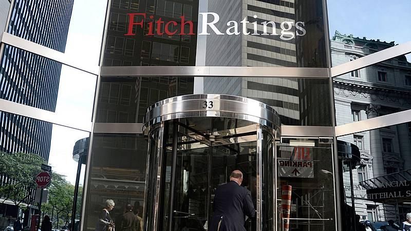 Fitch sube la calificación crediticia a largo plazo de España hasta A- desde BBB+