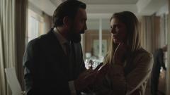 Traición - Víctor compromete a Isabel para incriminar juntos a Rafa