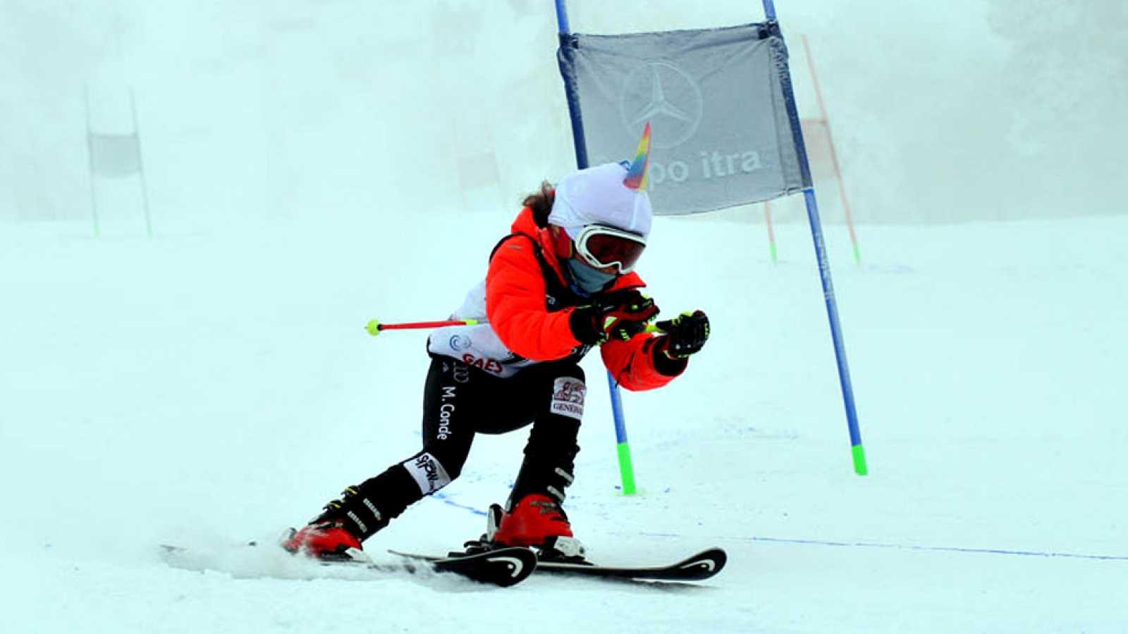 La madrileña se ha convertido en una promesa del esquí español a sus ocho años.