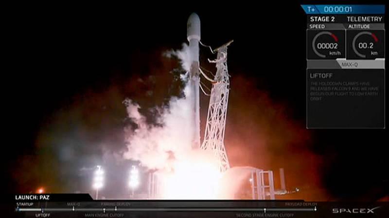 Lanzado con éxito al Espacio Paz, el 'satélite espía' español para la defensa nacional