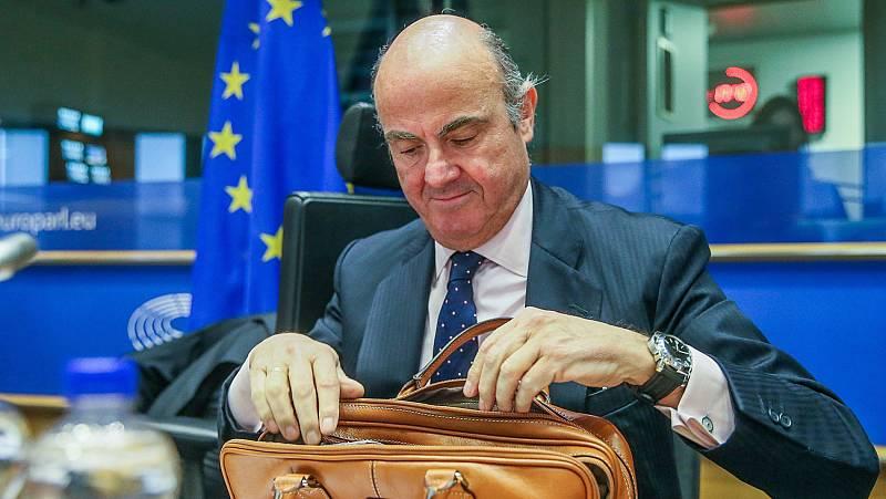 """De Guindos promete al Parlamento de la UE que trabajará """"con independencia"""" desde el BCE"""